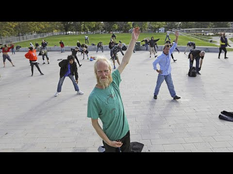 Couple Teaches Tai Chi Classes for the Homeless
