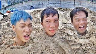 LamTV - Thử Thách Tự Mình Thoát Ra Khi Bị Chôn Sống Trong Cát Biển | Burrow in the sand