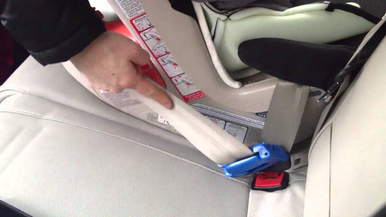 How To Install A Combi Coccoro Rear Facing With Seat Belt Blue Lock Off