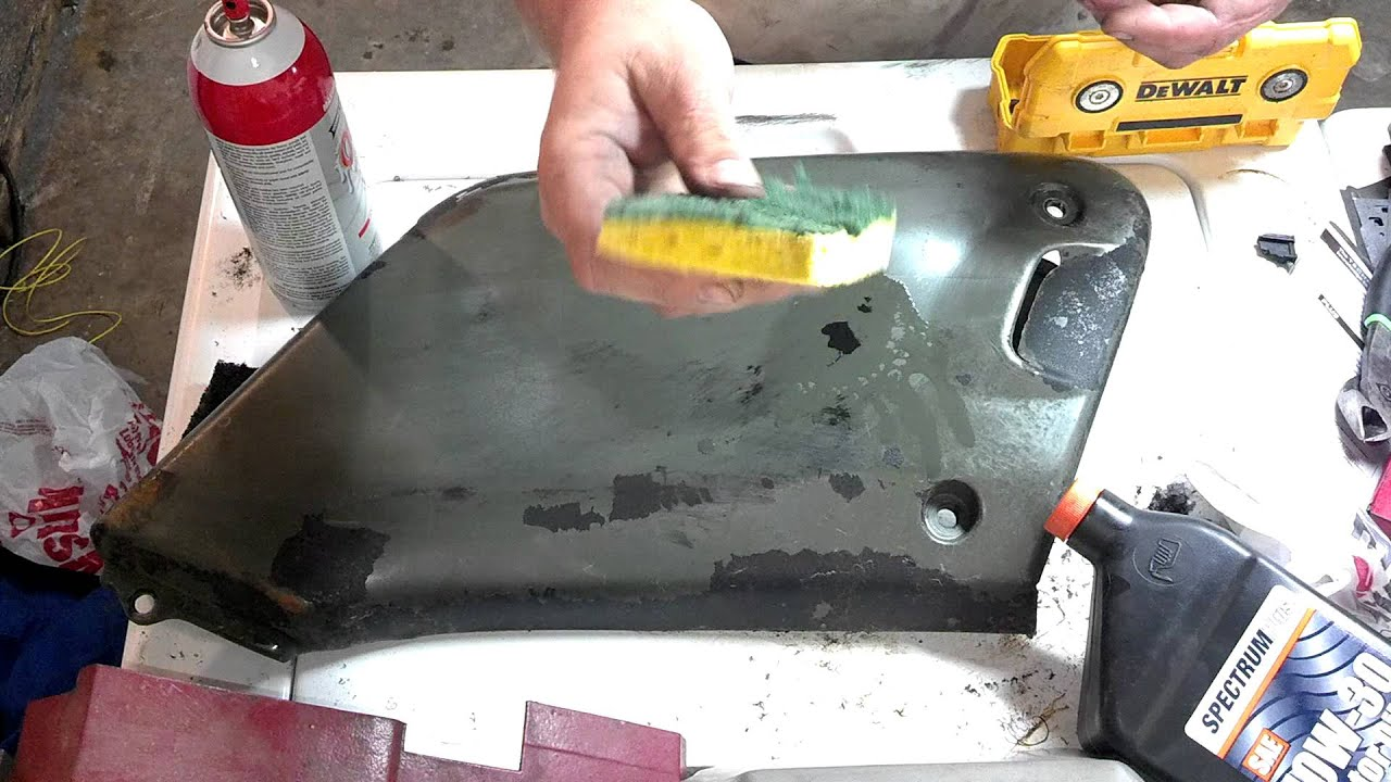 How To Remove Spray On Bedliner From Atv Plastic Youtube