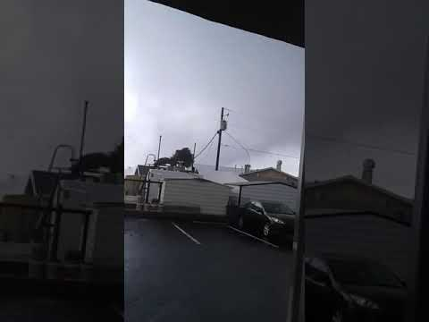 Tornado crosses the Santa Rosa Sound - Video by Mark West