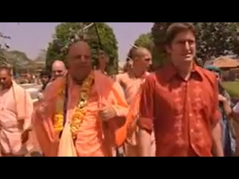 Louis Theroux meets a guru - BBC
