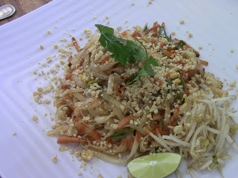 Homemade Chicken Pad Thai(simple and easy)