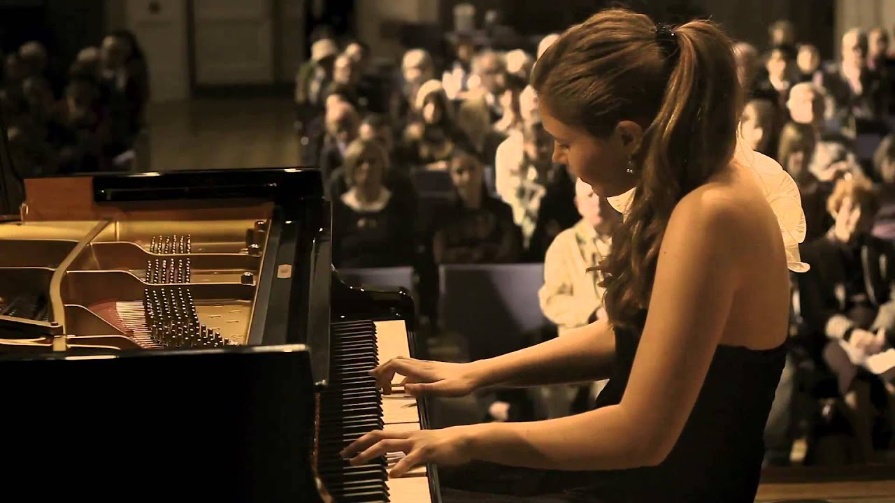 Olga Jegunova - W.A. Mozart: Piano Sonata No 11 in A - Major, K.331 (300i)