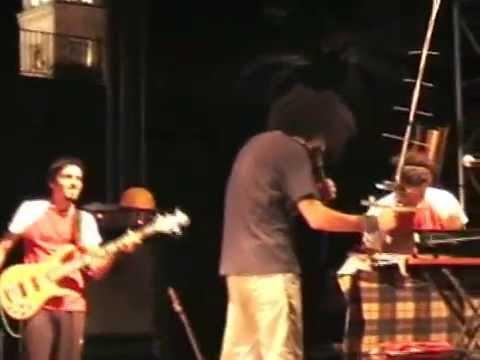 Caparezza - live in Barletta fossato del castello 13 agosto 2004