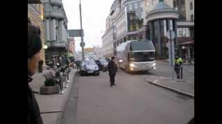 Подьежает автобус за Барсой, Барселона в Москве 5