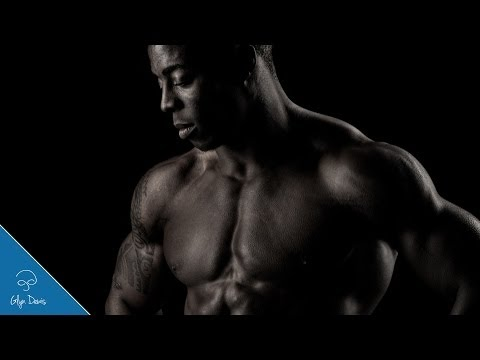 PHOTOSHOP TUTORIAL: Muscular Male Physique Retouching #16