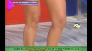 Repeat youtube video Colombianas en hilos dentales en Magaly TEVE