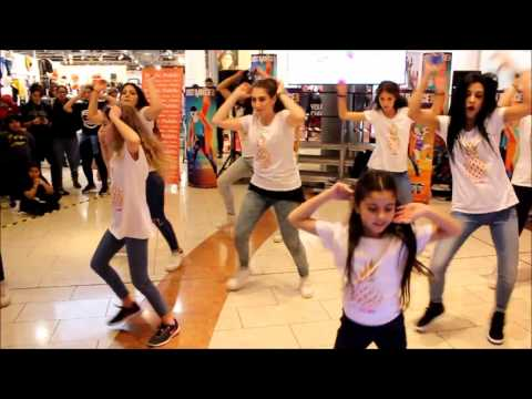 Just Dance 2017 - Cheap Thrills by Sia ft....