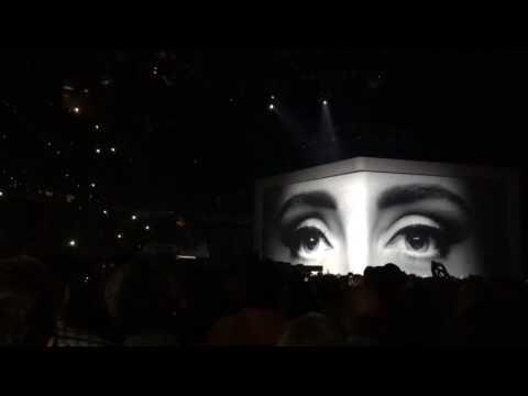 "Adele opens Atlanta concert with ""Hello"""