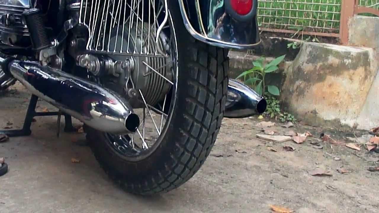 Sound of Yezdi Model B 1975 without Mufflers - YouTube