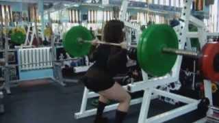 Анастасия - начинающая атлетка в троеборье(Отчет смотрим на сайте http://do4a.com * Anastassiya с форума do4a.com: 1. Присед 60 кг*22; 2. Технический присед 40 кг*8; 3. Становая..., 2013-08-07T05:20:25.000Z)