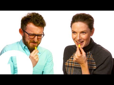 """""""Is This Weird?!"""" Rebecca Ferguson Reveals Her Unique Style Of Eating Fries 🍟"""