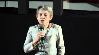 Искусство быть небанальным | Anna Vall | TEDxLETI