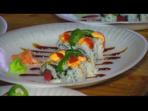 TUSCALOOSA LEARNS TO ROLL SUSHI ROLL