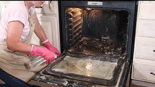 Clean an Oven with Baking Soda and Vinegar + A Secret Weapon for Stains!