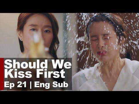 Ye Ji Won Sprays Vinegar on Park Si Yeon! [Should We Kiss First Ep 21]