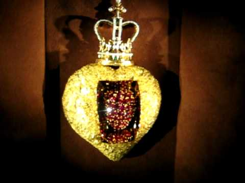 Dali Jewel: The Royal Heart