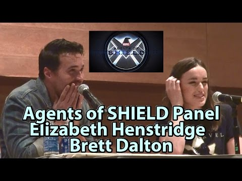 Agents of SHIELD Elizabeth Henstridge & Brett Dalton Panel #
