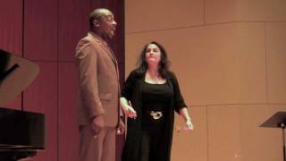 Kallen Esperian Teaches Masterclasses for Vocal Students