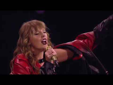 Taylor Swift & Sugarland - Babe live for the first time in Dallas.