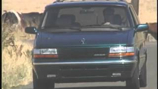 Chrysler Town and Country Minivan 1995