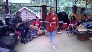 Download Video POP SUNDA TAPAK TAPAK CINTA OLOEH MS,YANTI MP3 3GP MP4