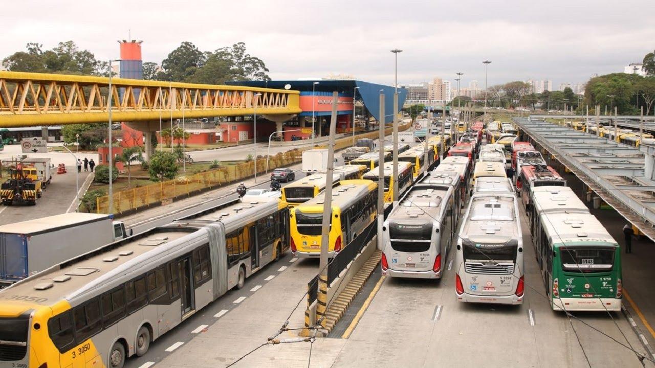 Como fica a frota de ônibus em SP? Secretário Edson Caram explica - online