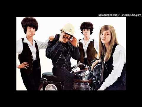 The Shangri-Las - Leader of the Pack (Live)