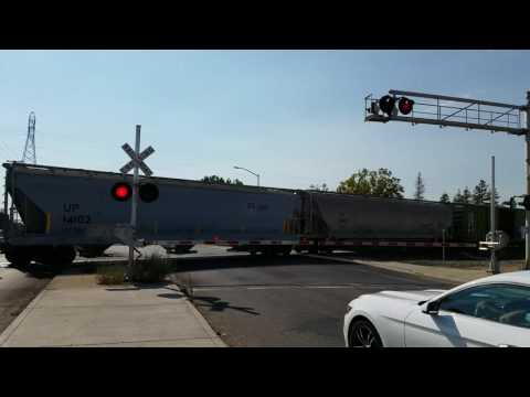 Union Pacific 4310 Manifest Northbound, Fruitridge Road Crossing, Sacramento CA