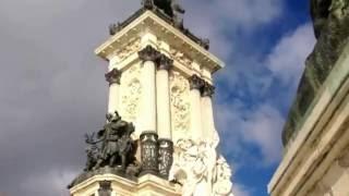 Испания. Мадрид. Парк Буэн Ретиро(Парк Буэн Рэтиро - городской парк в центре Мадрида, популярное место воскресного отдыха мадридцев и достопр..., 2016-12-03T03:22:22.000Z)