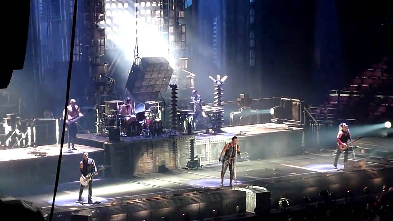 hd rammstein links 2 3 4 live new york city 12 11 10 youtube. Black Bedroom Furniture Sets. Home Design Ideas