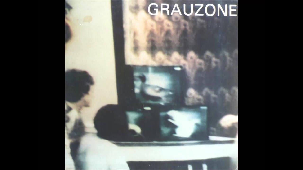 grauzone-hinter-den-bergen-rod241