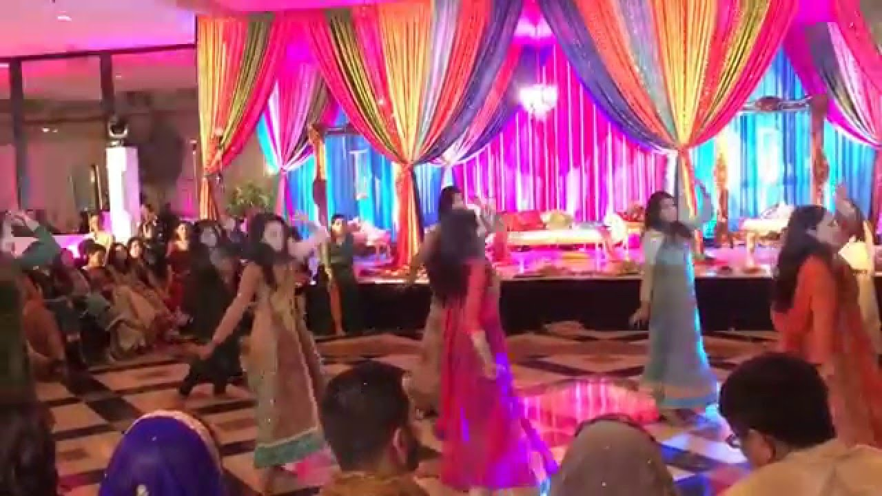 Mehndi Party Dance : Ambreens mehndi dance youtube