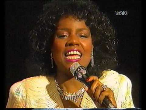Gloria Gaynor - Can't take my eyes off of you - YouTube
