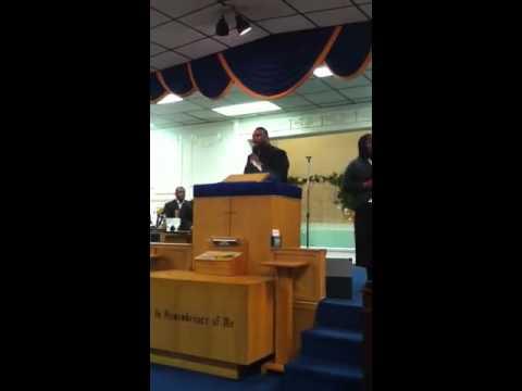 Sheldon Turner singing at Michigan state council