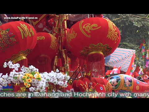 Tet Holiday in Vietnam - 3 minutes explore Ha Noi on the back seat
