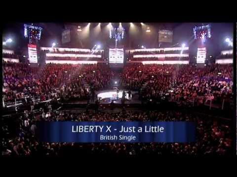 Liberty X win British Single presented by Robin Gibb | 2003