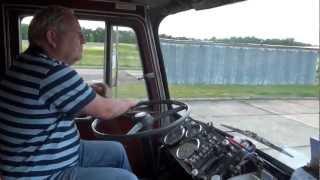 Oldtimer Treffen Marienborn 2012 - im LKW dabei sind die Kapitäne der Landstraße