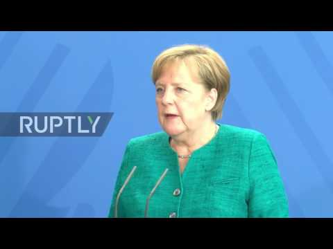 Germany: Merkel has fingers crossed for new payments to Greece