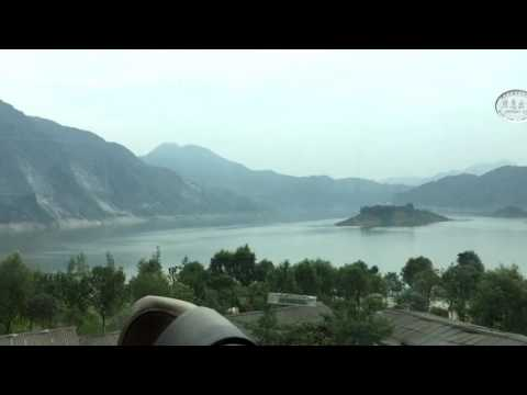 Bus from Chengdu to Jiuzhaigou - Sichuan - China (1)