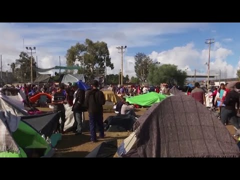 Migrants come within 500 feet of U.S. border