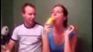 Banana& bruneta lectie de oral lesson