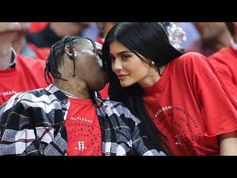 Kylie Jenner & Travis Scott RECREATE Cute Basketball 1st Date Photo!