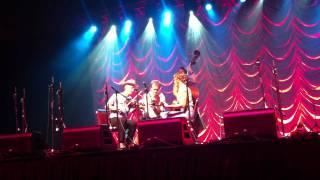 Le Sud de la Louisiane from the album Sud de la Louisiane  performed by the Foghorn Stringband