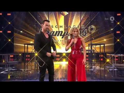 Florian helpt Helene omkleden Schlagerchampions 13 01 2018