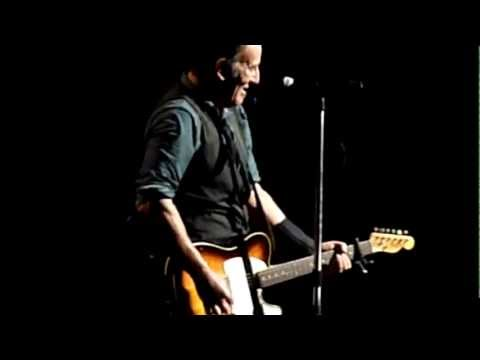Bruce Springsteen Rare Acoustic Intro - I'm Goin' Down - Oakland 11/30/12