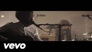 Смотреть клип Michael Kiwanuka - Home Again