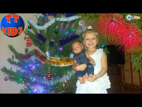 Беби Борн и Ярослава покупают и украшают Елку к Новому Году  Doll Baby Born with Yaroslava