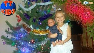 ✔ Беби Борн и Ярослава покупают и украшают Елку к Новому Году / Doll Baby Born with Yaroslava ✔